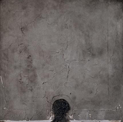 Antoni Tàpies, Forma negre sobre quadrat gris, 1960 © Fundació Antoni Tàpies, Barcelona / Vegap. De la fotografia: © Gasull Fotografia, 2013