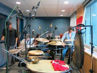 Pilar Subirà, José Manuel Berenguer, Miriam Félix, Tom Chant y Barbara Held en un estudio de Catalunya Música y en interacción con la Orquesta de Improvisadores de Praga - Noviembre de 2013