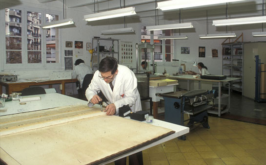 Taller de restauració ©Biblioteca de Catalunya
