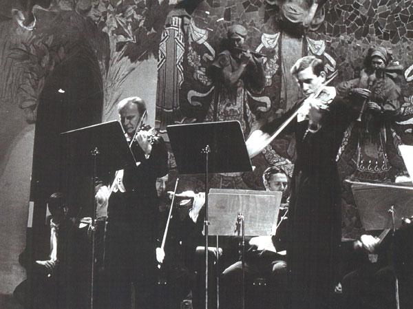 Comellas i Menuhin tocant en diverses ocasions al Palau de la Música de Barcelona