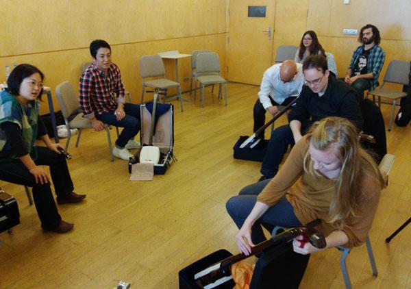 3. Sesión del taller de shamisen de la Esmuc ©Grupo EsmucAsia