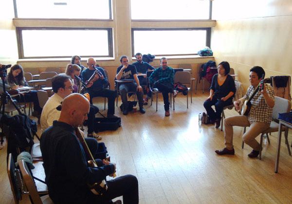 4. Sesión del taller de shamisen de la Esmuc ©Grupo EsmucAsia